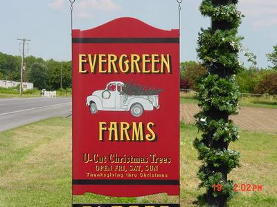 entrance to evergreen farms